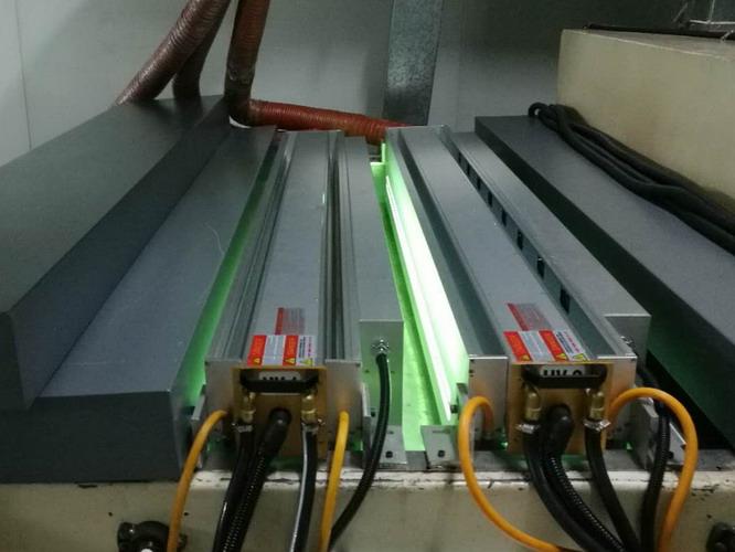 智能调光玻璃膜水冷低温UV设备